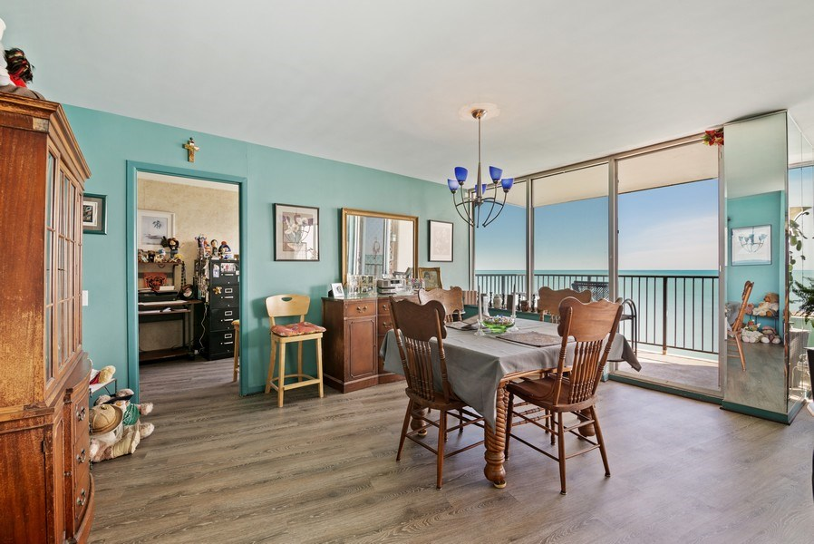 Real Estate Photography - 6101 N Sheridan Rd East 6-C, Chicago, IL, 60660 - Dining Room