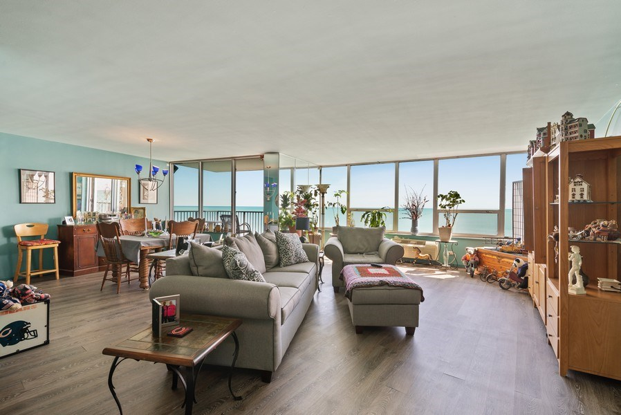 Real Estate Photography - 6101 N Sheridan Rd East 6-C, Chicago, IL, 60660 - Living Room / Dining Room
