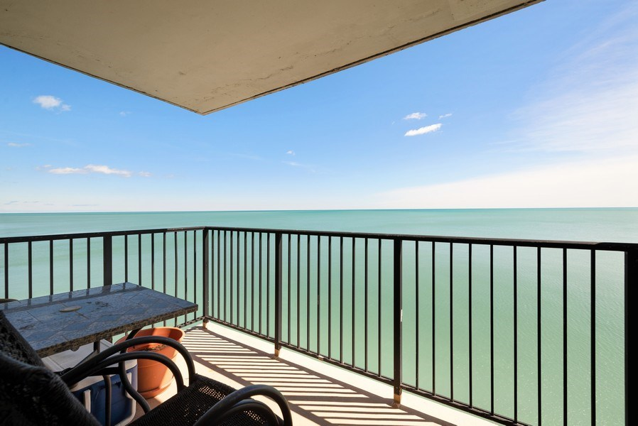 Real Estate Photography - 6101 N Sheridan Rd East 6-C, Chicago, IL, 60660 - Balcony