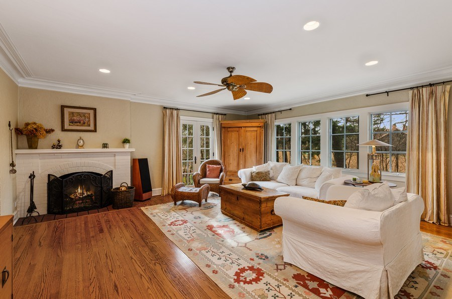 Real Estate Photography - 1360 Ridge Rd, Highland Park, IL, 60035 - Living Room