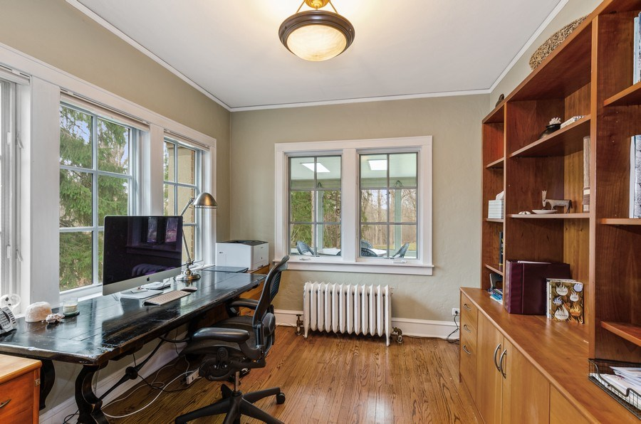Real Estate Photography - 1360 Ridge Rd, Highland Park, IL, 60035 - Office
