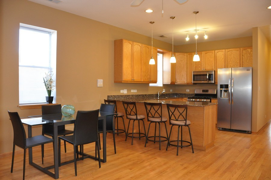 Real Estate Photography - 2539 W Foster Ave, Unit 1, Chicago, IL, 60625 -