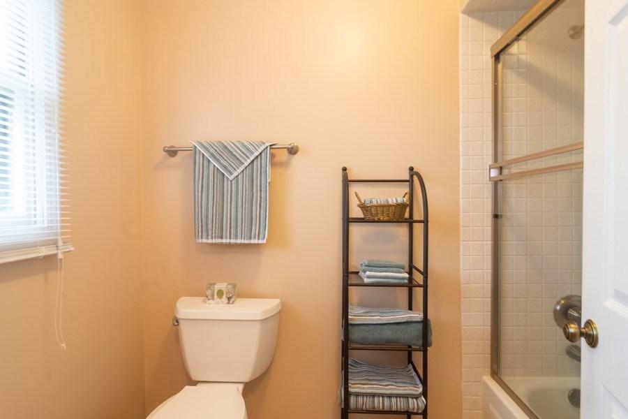 Real Estate Photography - 1913 N Brighton Pl, Arlington Heights, IL, 60004 - Master Bathroom