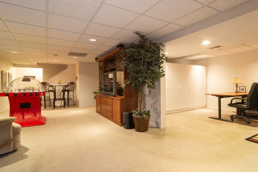 Real Estate Photography - 1913 N Brighton Pl, Arlington Heights, IL, 60004 - Finished Basement