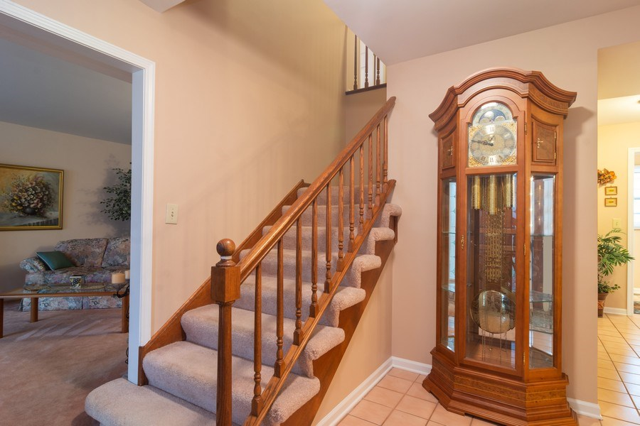 Real Estate Photography - 1913 N Brighton Pl, Arlington Heights, IL, 60004 - Foyer