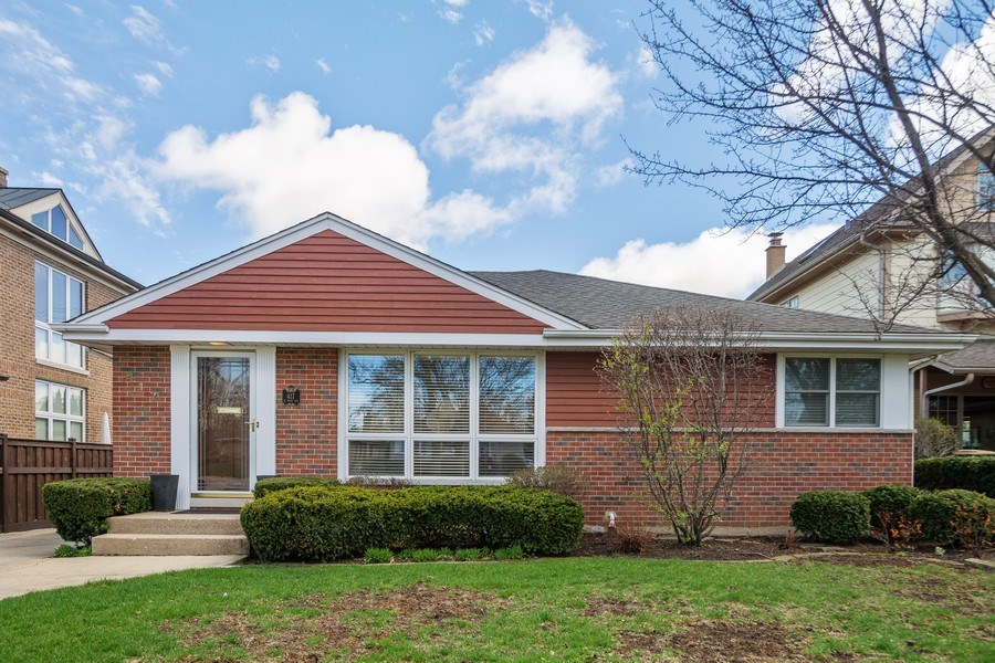 Real Estate Photography - 417 N Rose, Park Ridge, IL, 60068 - Front View