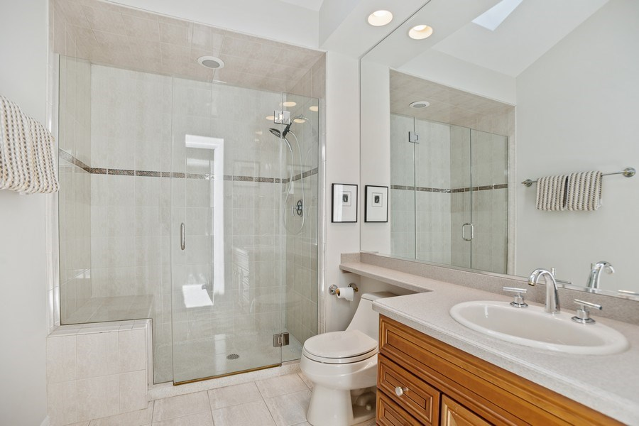 Real Estate Photography - 417 N Rose, Park Ridge, IL, 60068 - Bathroom