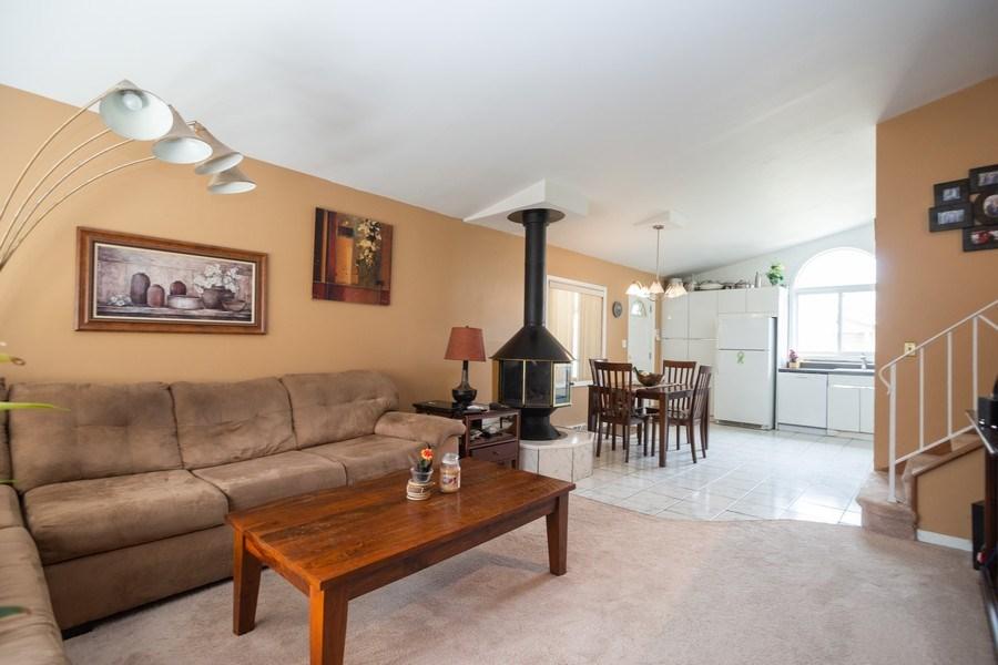 Real Estate Photography - 1914 Nimitz Drive, Des Plaines, IL, 60018 - Living Room