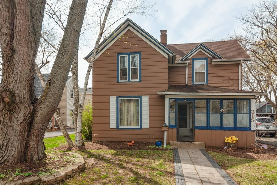 Real Estate Photography - 315 S Harrison St, Batavia, IL, 60510 - Front View