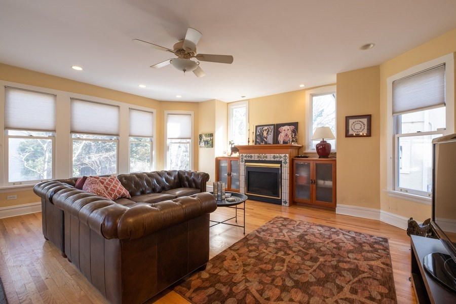 Real Estate Photography - 833 Lincoln St, Evanston, IL, 60201 - Family Room