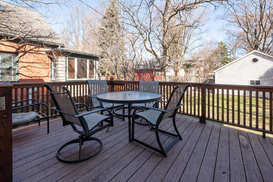Real Estate Photography - 833 Lincoln St, Evanston, IL, 60201 - Deck