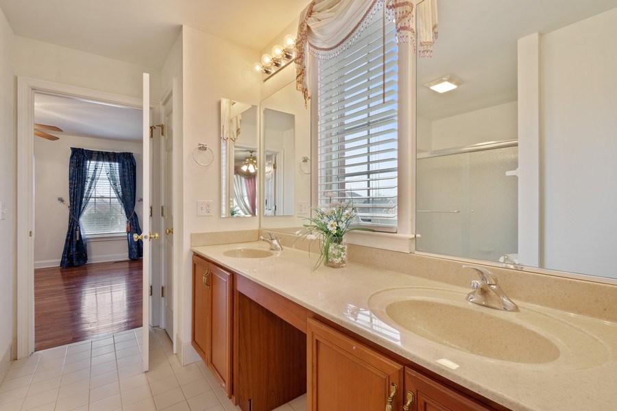 Real Estate Photography - 35 Olympic Drive, South Barrington, IL, 60010 - 3rd Bathroom