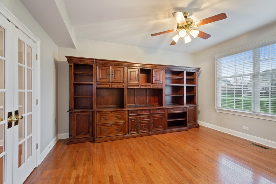 Real Estate Photography - 35 Olympic Drive, South Barrington, IL, 60010 - Office