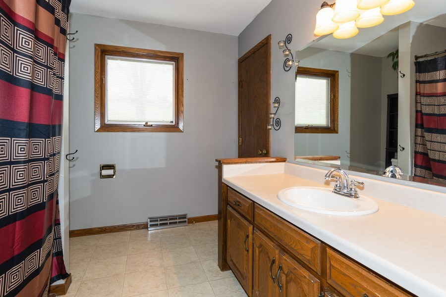 Real Estate Photography - 414 Blue Wing Circle, Horicon, WI, 53032 - Bathroom