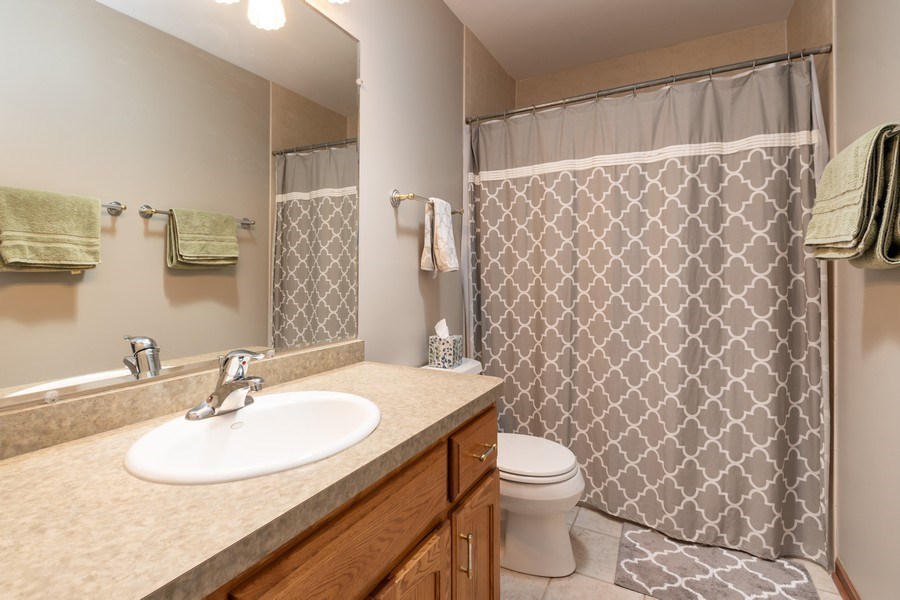 Real Estate Photography - 8015 Abbey Road, Tinley Park, IL, 60477 - Bathroom