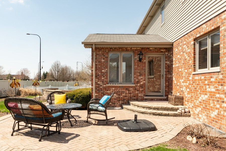 Real Estate Photography - 8015 Abbey Road, Tinley Park, IL, 60477 - Patio