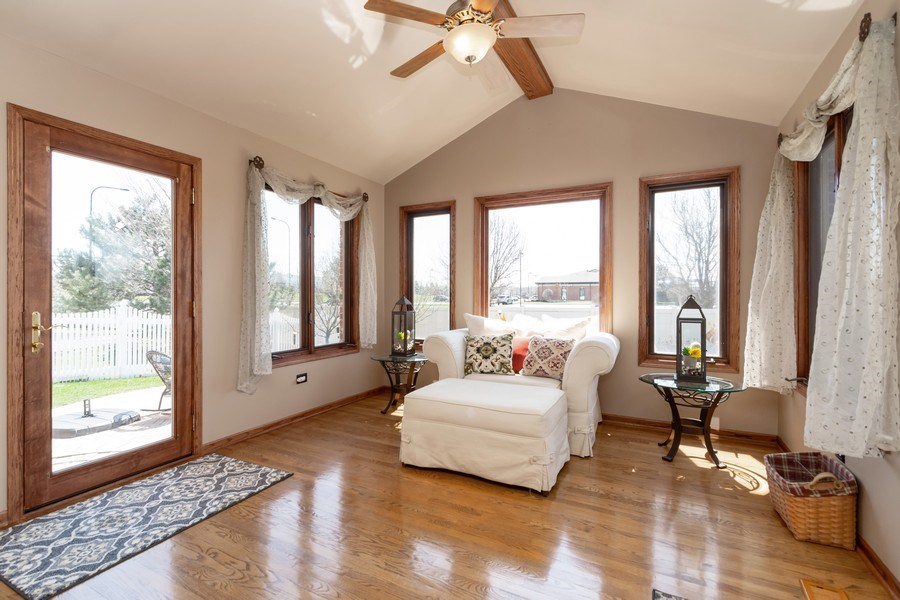 Real Estate Photography - 8015 Abbey Road, Tinley Park, IL, 60477 - Sun Room