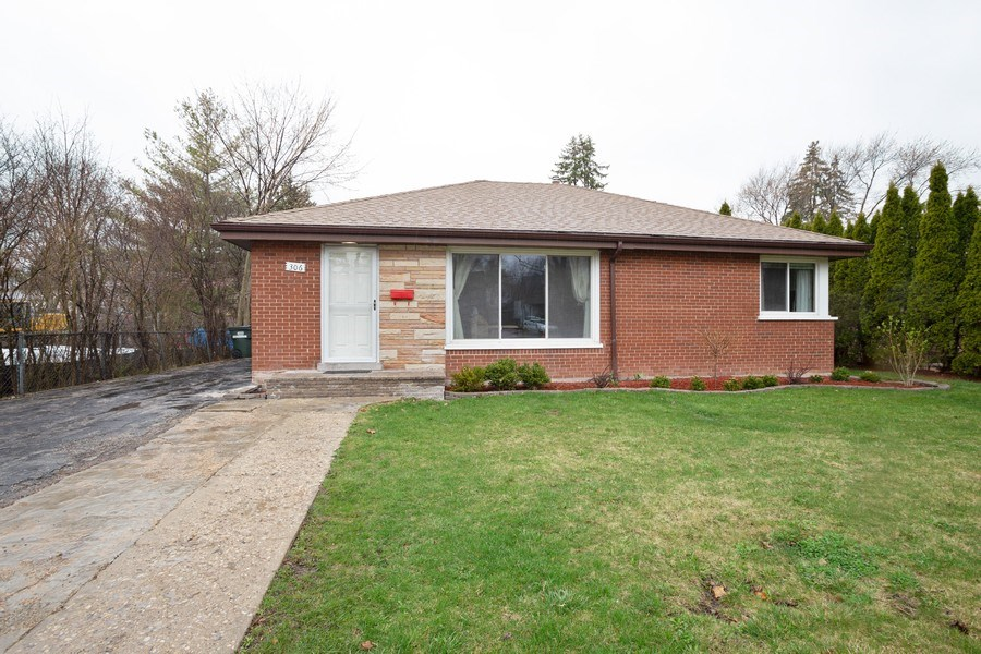 Real Estate Photography - 306 Harlem, Glenview, IL, 60025 - Front View