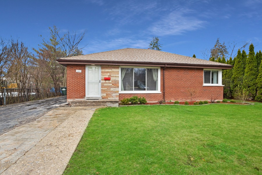 Real Estate Photography - 306 Harlem, Glenview, IL, 60025 -