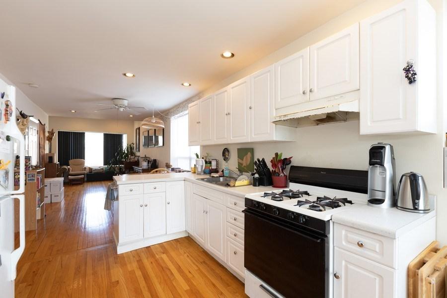 Real Estate Photography - 2647 W Cortez, Chicago, IL, 60622 - Kitchen