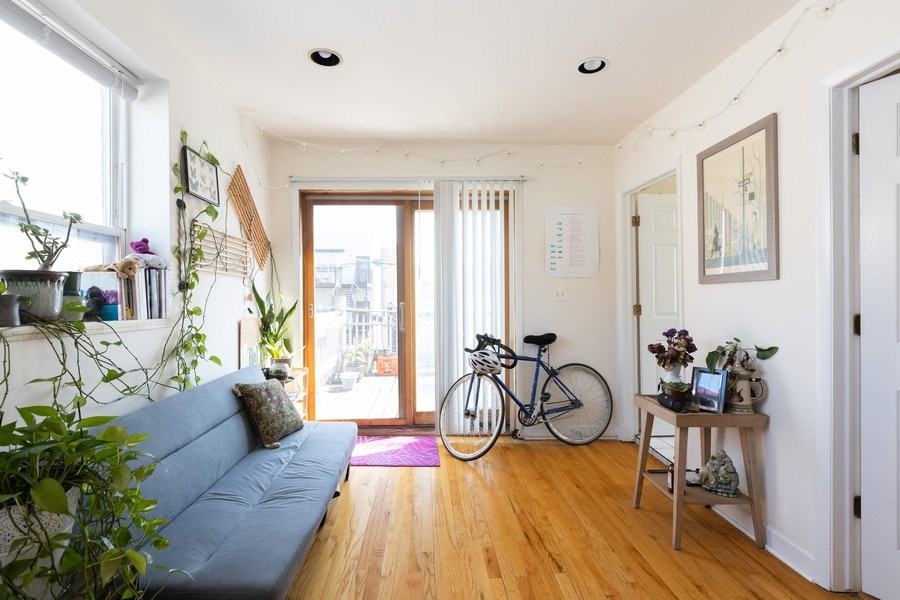 Real Estate Photography - 2647 W Cortez, Chicago, IL, 60622 - Family Room