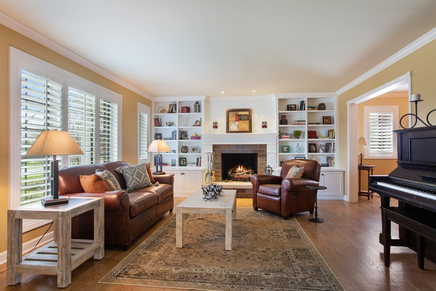 Real Estate Photography - 108 Oxford Ave., Clarendon Hills, IL, 60514 - Living Room