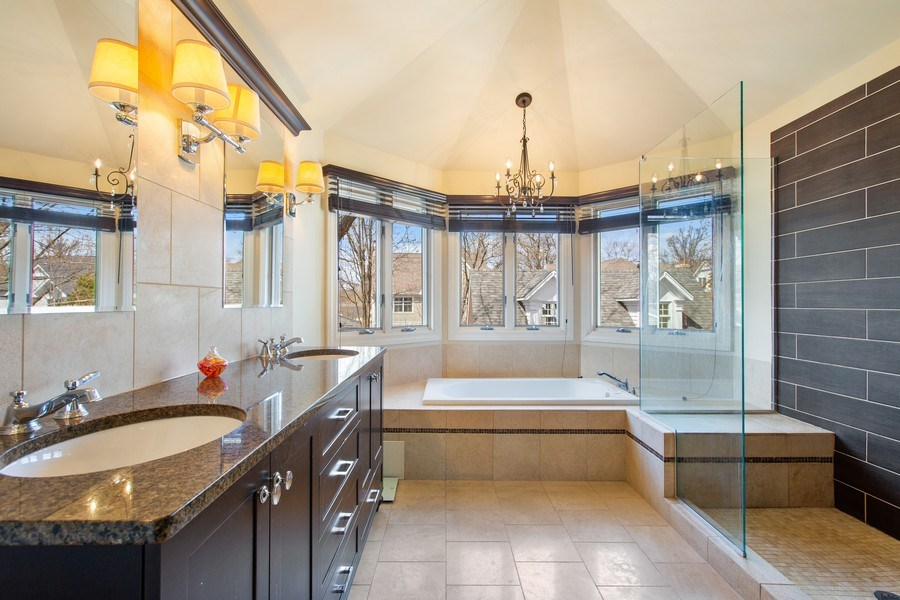 Real Estate Photography - 108 Oxford Ave., Clarendon Hills, IL, 60514 - Master Bathroom