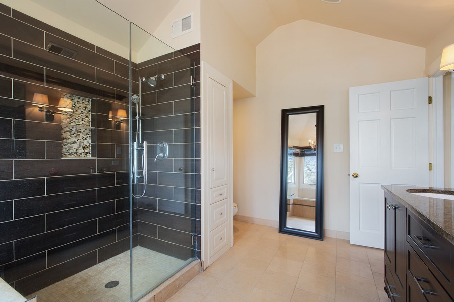 Real Estate Photography - 108 Oxford Ave., Clarendon Hills, IL, 60514 - Master Bathroom (alternate view)