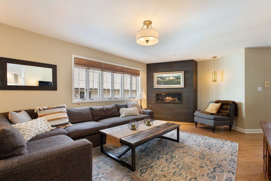 Real Estate Photography - 108 Oxford Ave., Clarendon Hills, IL, 60514 - Family Room