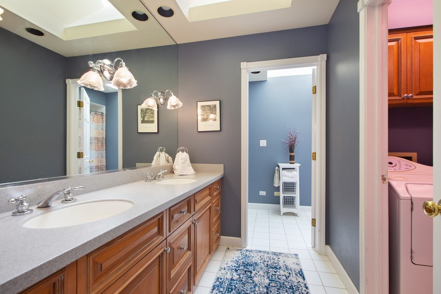 Real Estate Photography - 108 Oxford Ave., Clarendon Hills, IL, 60514 - Family Bathroom and Laundry Area