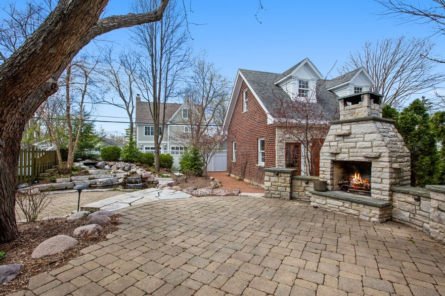 Real Estate Photography - 108 Oxford Ave., Clarendon Hills, IL, 60514 - Patio