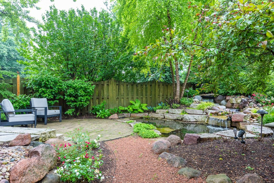 Real Estate Photography - 108 Oxford Ave., Clarendon Hills, IL, 60514 - Patio / Pond