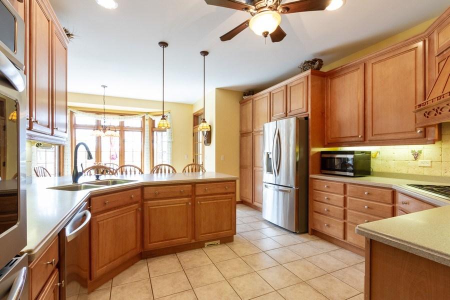Real Estate Photography - 11105 Sandpiper Ct, Spring Grove, IL, 60081 - Kitchen