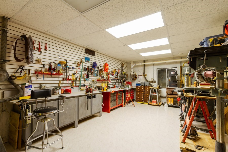 Real Estate Photography - 11105 Sandpiper Ct, Spring Grove, IL, 60081 - Workshop