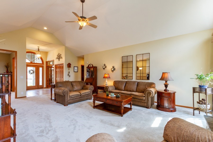 Real Estate Photography - 11105 Sandpiper Ct, Spring Grove, IL, 60081 - Family Room