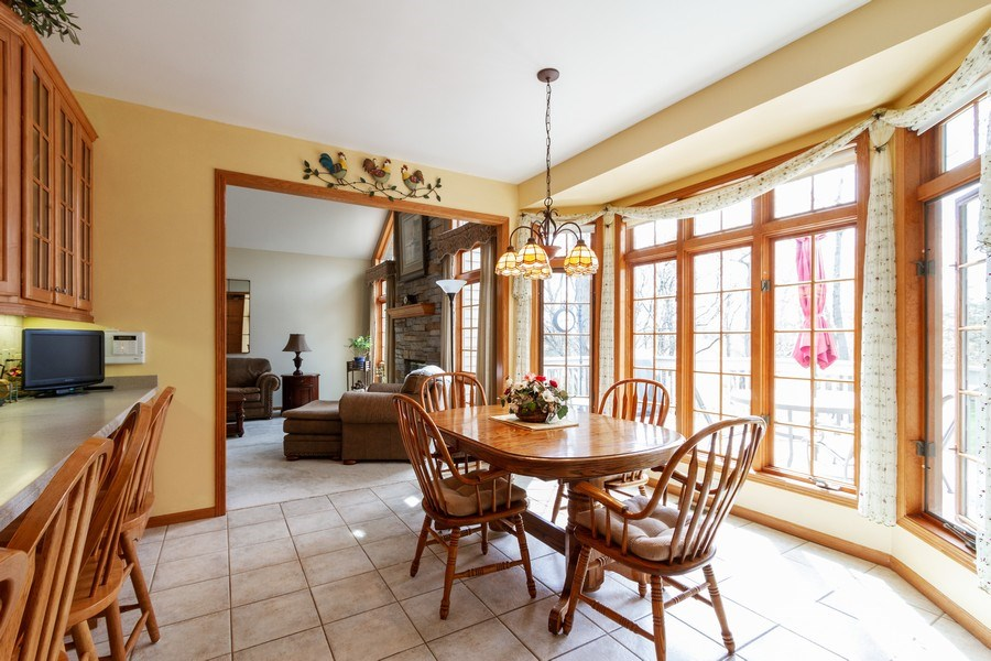 Real Estate Photography - 11105 Sandpiper Ct, Spring Grove, IL, 60081 - Breakfast Area