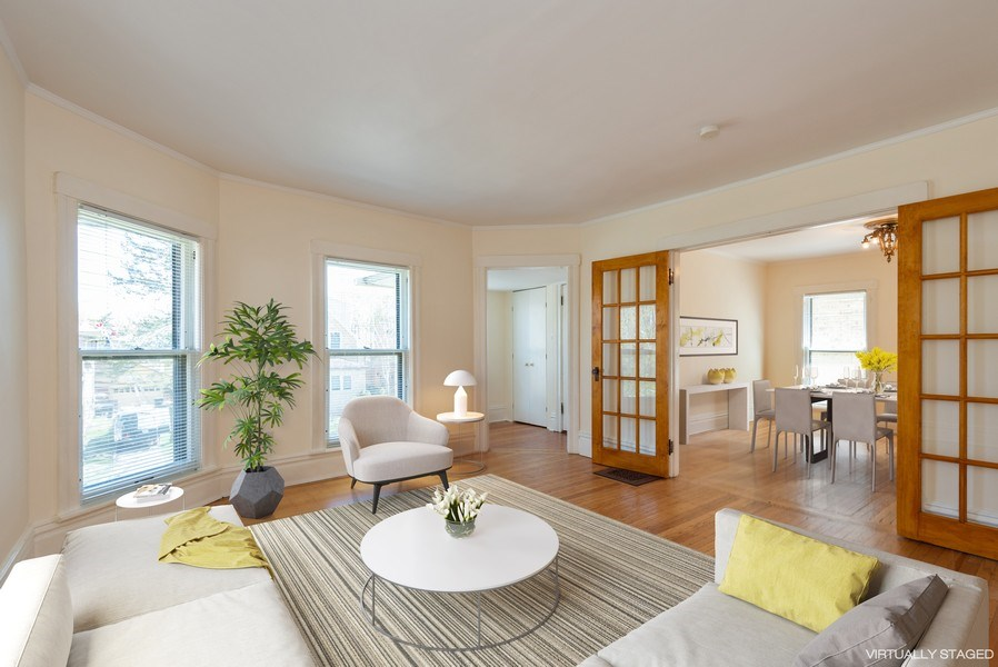 Real Estate Photography - 2622 Prairie, Evanston, IL, 60201 - Unit 2 -  Entry  to LR and DR
