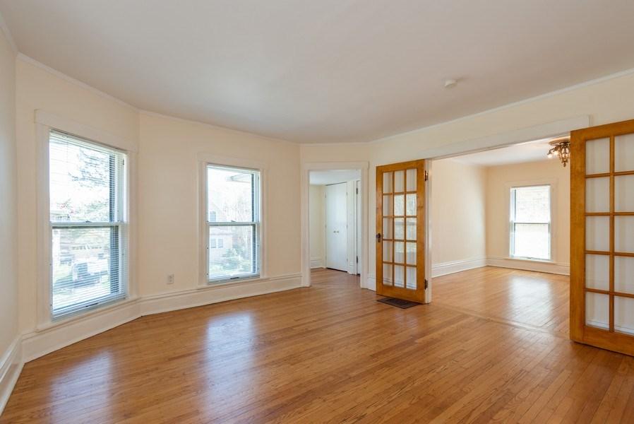 Real Estate Photography - 2622 Prairie, Evanston, IL, 60201 - Unit 2 LR