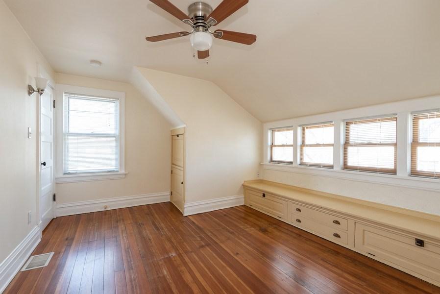 Real Estate Photography - 2622 Prairie, Evanston, IL, 60201 - Unit 2  -  BR 2