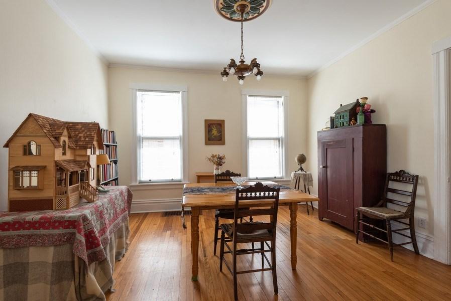 Real Estate Photography - 2622 Prairie, Evanston, IL, 60201 - Unit 1 -  DR