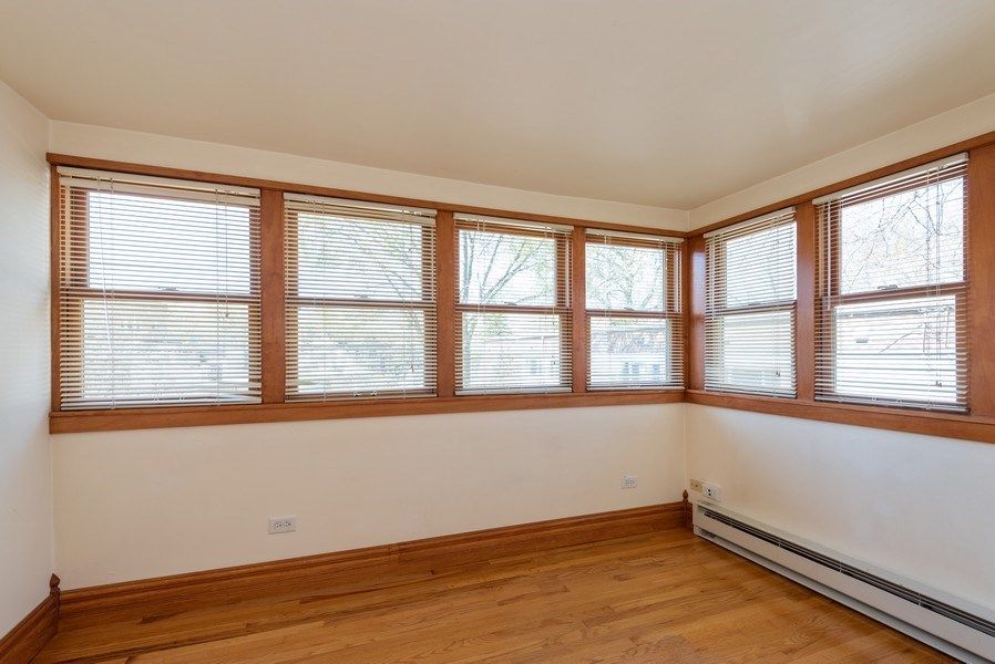 Real Estate Photography - 2622 Prairie, Evanston, IL, 60201 - Unit 2 - Sun Room off Master BR