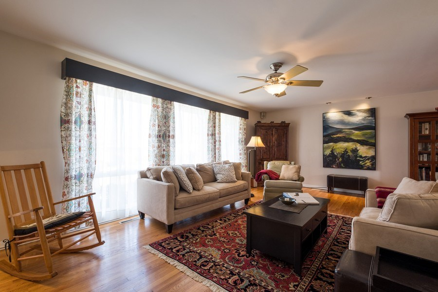 Real Estate Photography - 829 Lacrosse Ave, Wilmette, IL, 60091 - Living Room