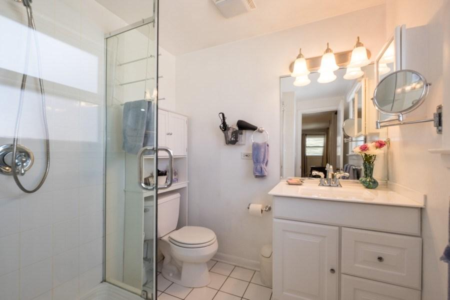 Real Estate Photography - 829 Lacrosse Ave, Wilmette, IL, 60091 - Master Bathroom