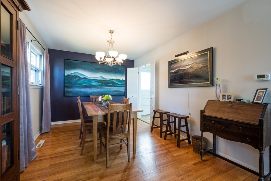 Real Estate Photography - 829 Lacrosse Ave, Wilmette, IL, 60091 - Dining Room