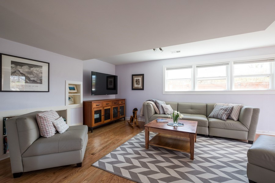 Real Estate Photography - 829 Lacrosse Ave, Wilmette, IL, 60091 - Family Room