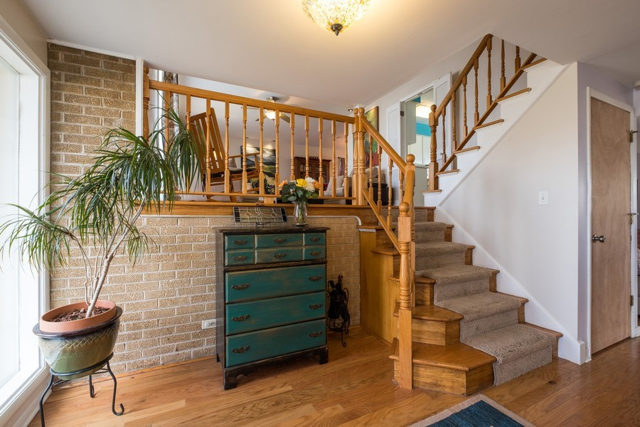 Real Estate Photography - 829 Lacrosse Ave, Wilmette, IL, 60091 - Foyer
