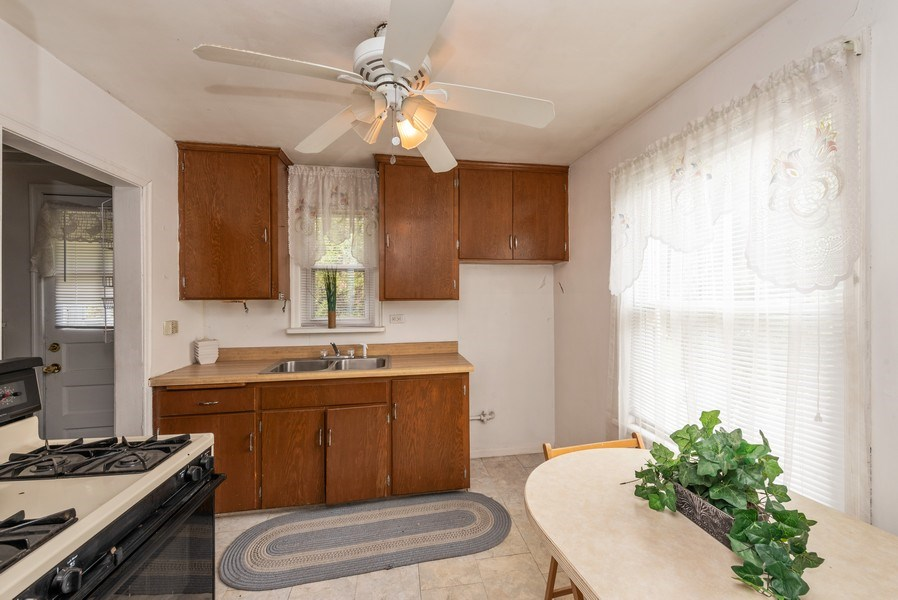 Real Estate Photography - 303 Broadmoor Avenue, Munster, IN, 46321 - Kitchen