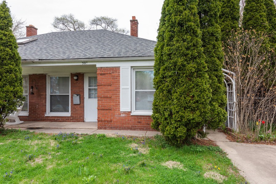 Real Estate Photography - 303 Broadmoor Avenue, Munster, IN, 46321 - Front View