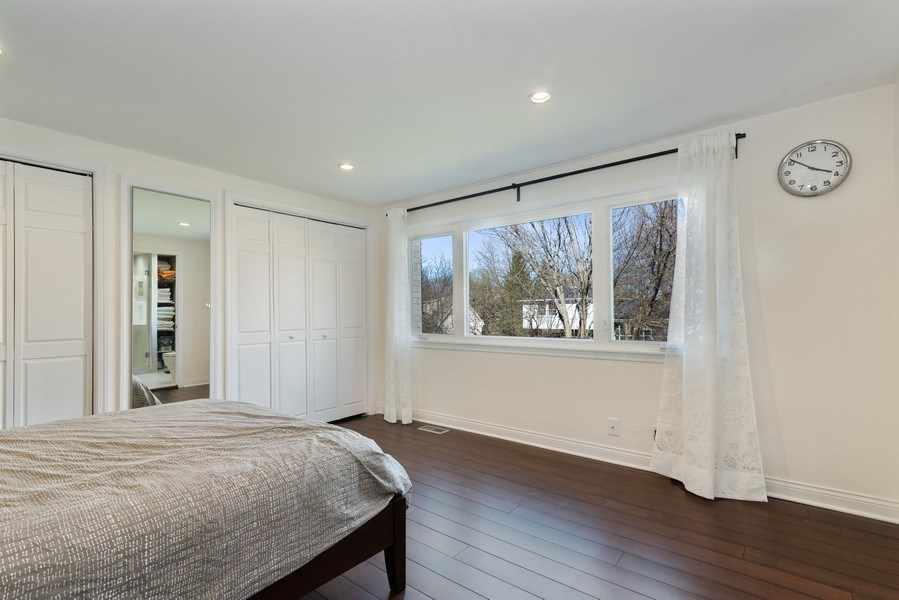 Real Estate Photography - 2423 Happy Hollow, Glenview, IL, 60026 - Master Bedroom
