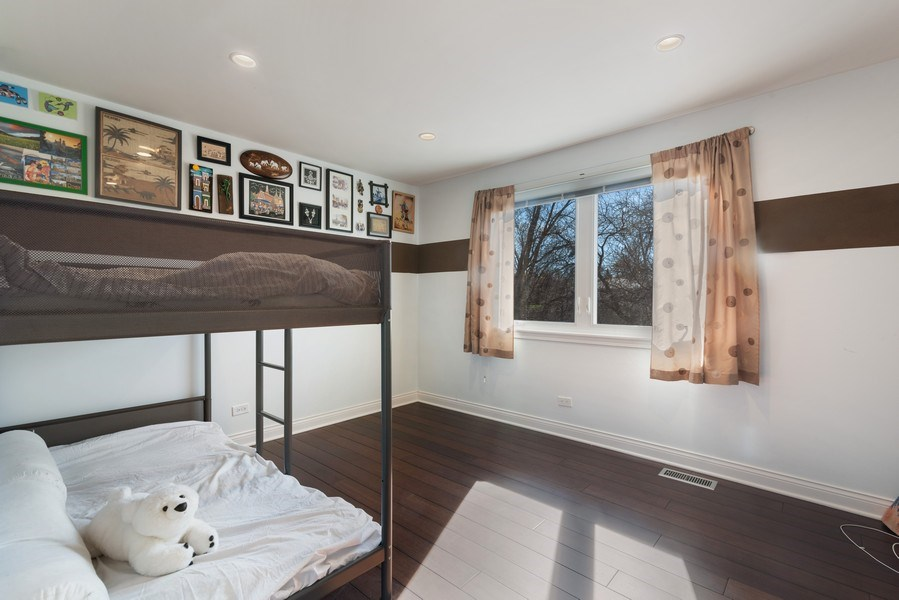 Real Estate Photography - 2423 Happy Hollow, Glenview, IL, 60026 - 3rd Bedroom